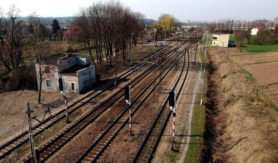 Trwają prace na linii nr 8 pomiędzy Tunelem a Krakowem