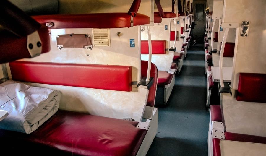 RŻD wprowadza na tory nowe wagony płackartne [zdjęcia]