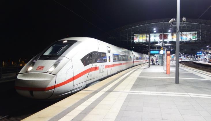 Produkcyjny problem z ICE 4. DB wstrzymało odbiory pociągów