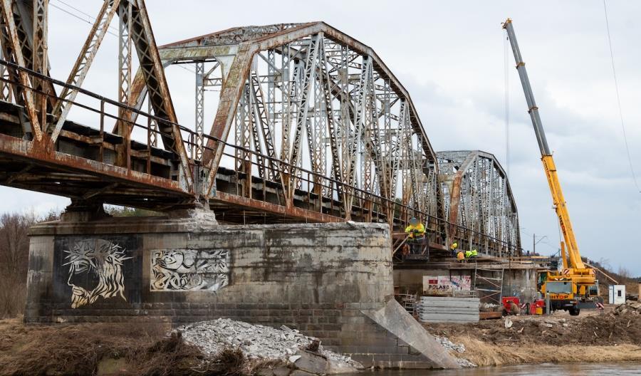 Setki milionów na prace na 168 mostach kolejowych