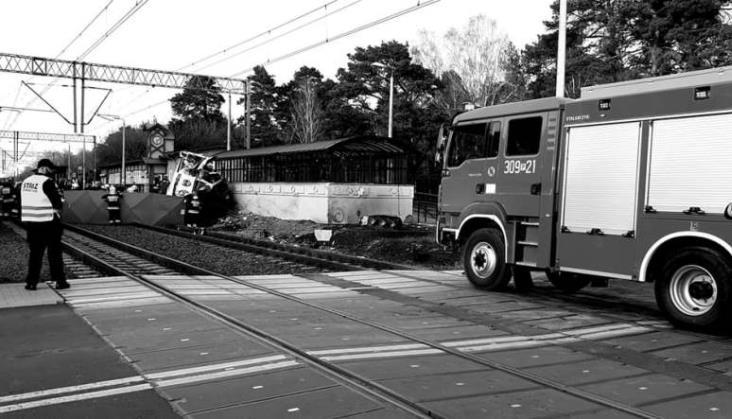Prezydent odznaczył Złotym Krzyżem Zasługi ofiary wypadku karetki na przejeździe