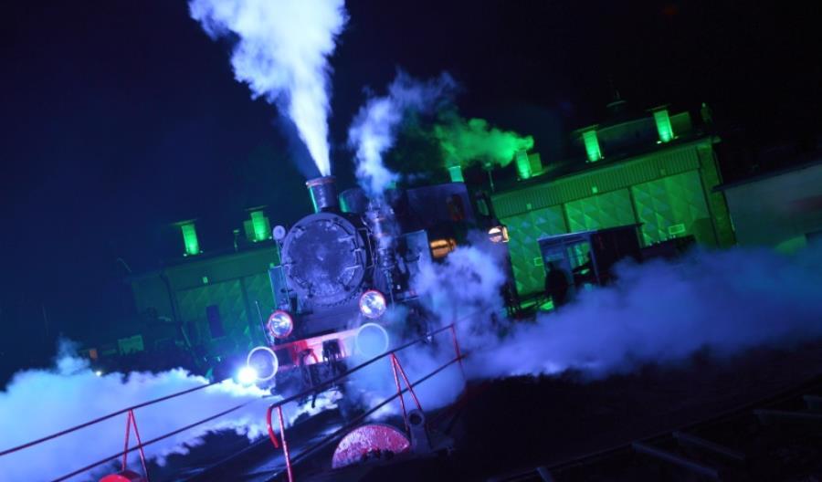 Nocny taniec parowozów w Wolsztynie [galeria aktualizowana]