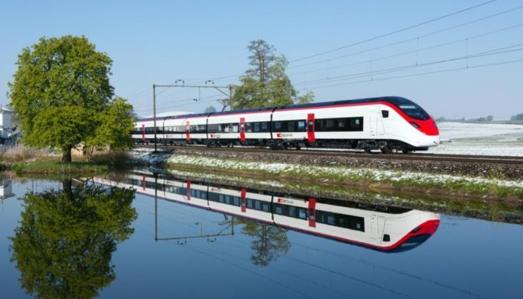 Stadler Giruno rozpoczął rozkładowe kursy z pasażerami