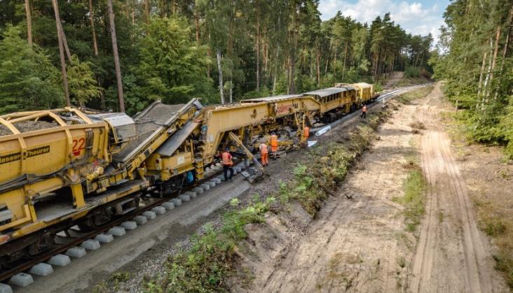 NDI wstrzymało prace na linii 207. Podwykonawcy zapowiadają blokadę dróg [aktualizacja]