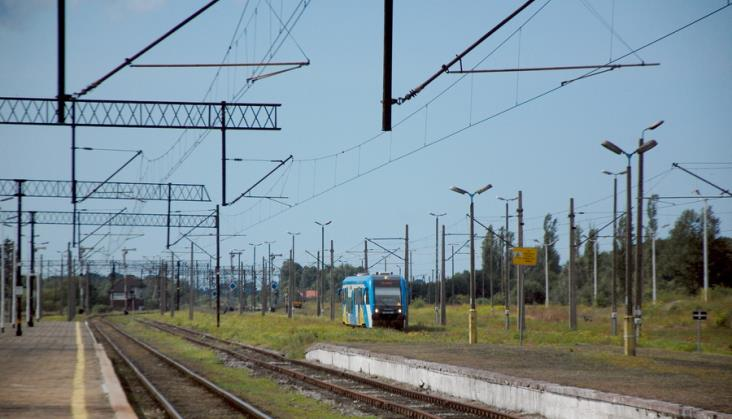 """Odwołane kursy kilku pociągów Polregio w trzech regionach. """"Problem już zażegnany"""""""