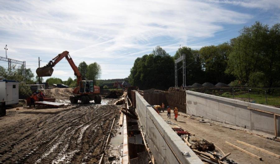 Trwa modernizacja linii kolejowej z Lubina do Rudnej Gwizdanów