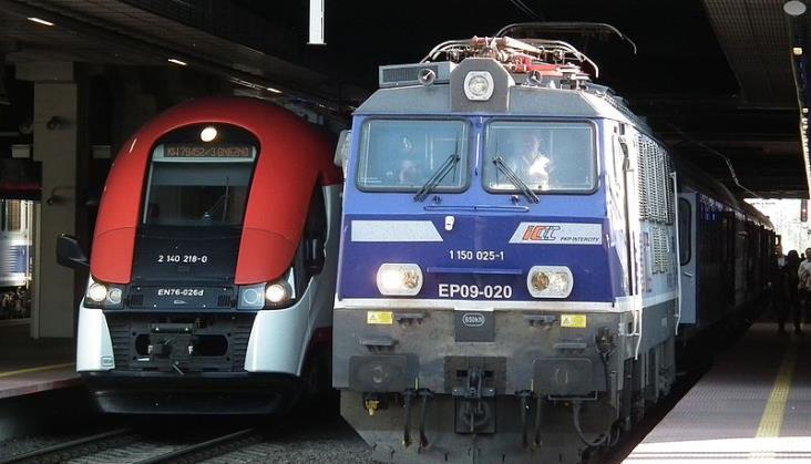 EU44 zastępowane przez EP09. Opóźnienia na trasie Warszawa – Berlin