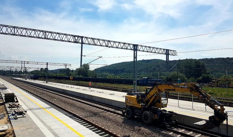 Nowy peron dla podróżnych na stacji Krzeszowice