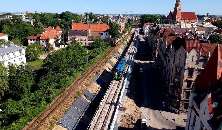 Lokomotywa sprawdziła nowe estakady w Krakowie