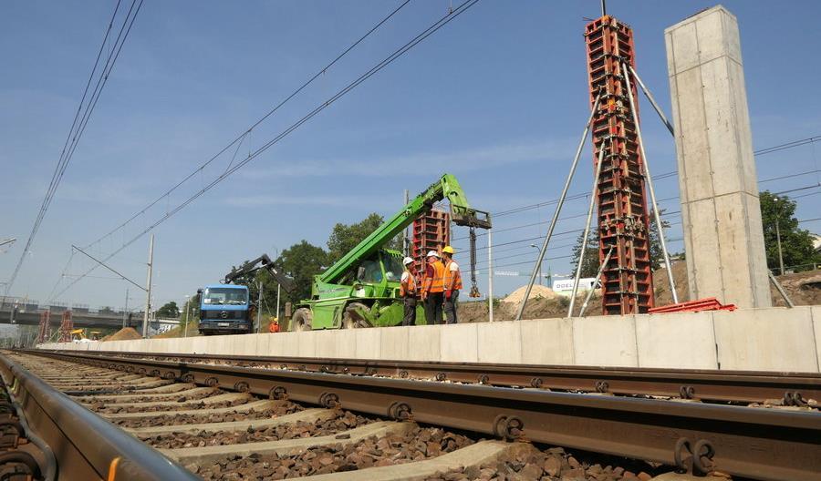 Rośnie kolejowy przystanek Warszawa Powązki