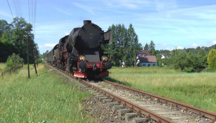 Ruszyły ogólnodostępne pociągi retro z Chabówki
