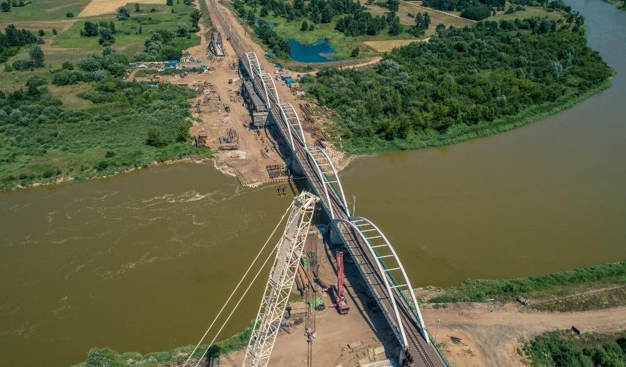 Rail Baltica – czas na drugą nitkę na moście na Bugu. Kolejna opóźniona inwestycja