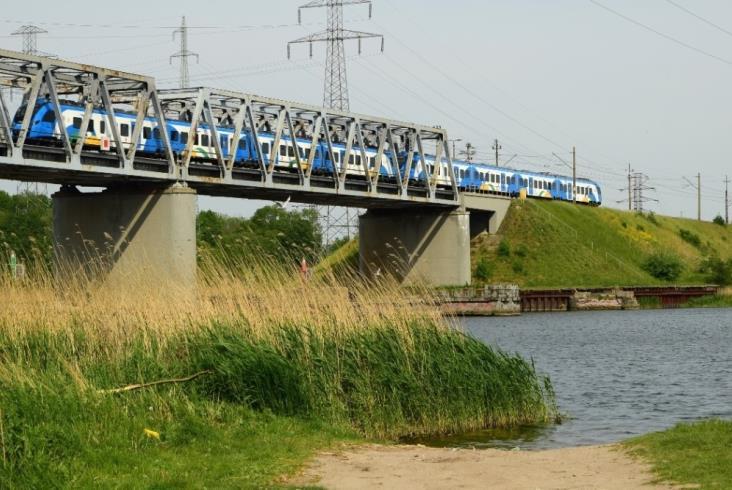 PKP PLK odnawia most na wyspę Wolin. Pociągi pojadą nawet sześciokrotnie szybciej