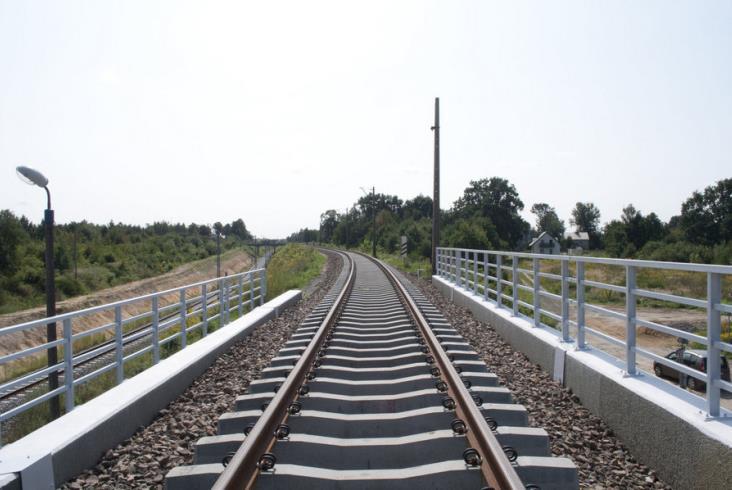 Prace na linii kolejowej 146 na półmetku [zdjęcia]