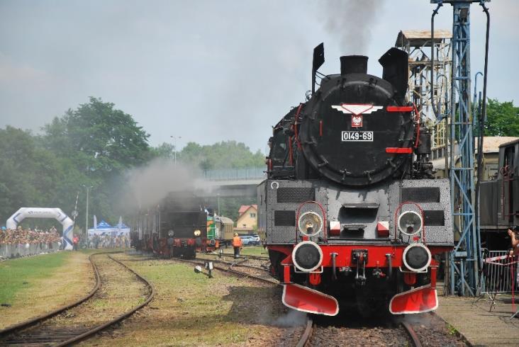 """""""Parowozjada"""" – powrót w przeszłość pociągiem retro"""