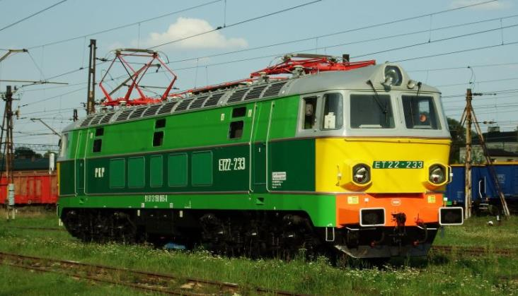 Dwukrotnie wzrosła liczba odwołanych pociągów towarowych. Punktualność wciąż zła