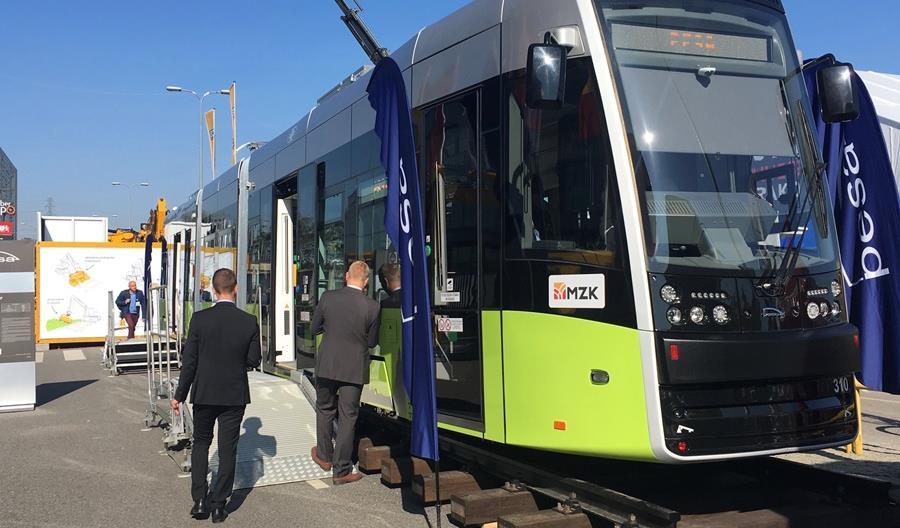 Elf 2 i tramwaj - nowe pojazdy Pesy na Trako