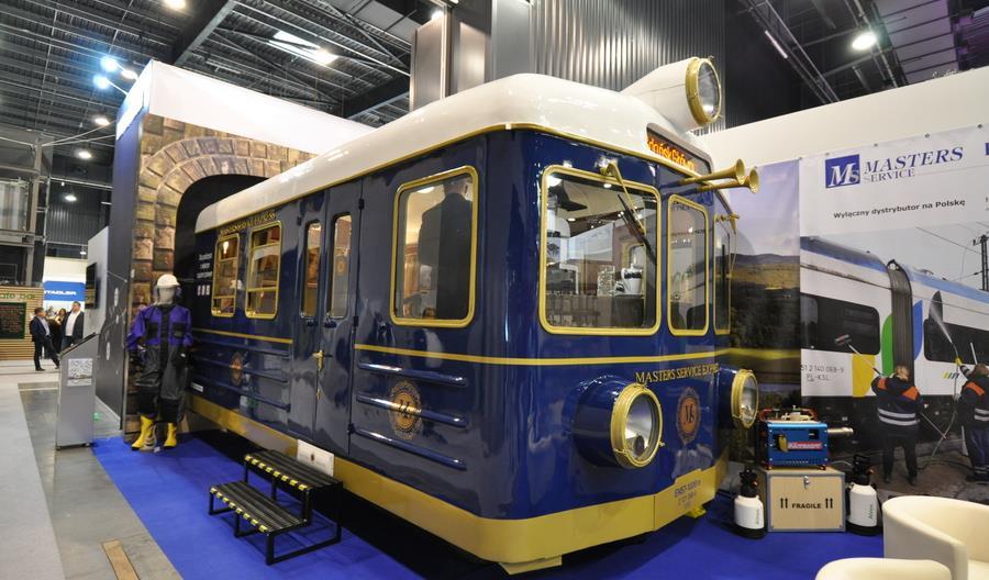 EN57 jak Orient Express [zdjęcia]