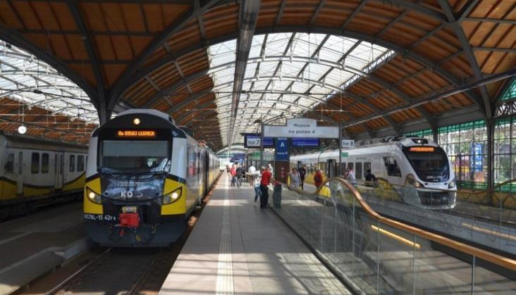 Wrocław: Usterka na trasie do Jelcza usunięta, ale jest kolejna, na Grabiszynie
