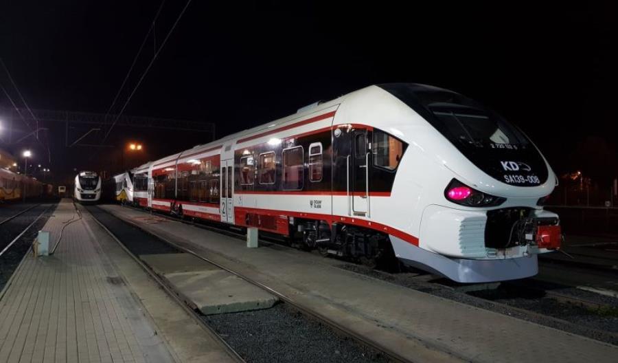Koleje Dolnośląskie wynajęły od Pesy pociąg Link SA139-008