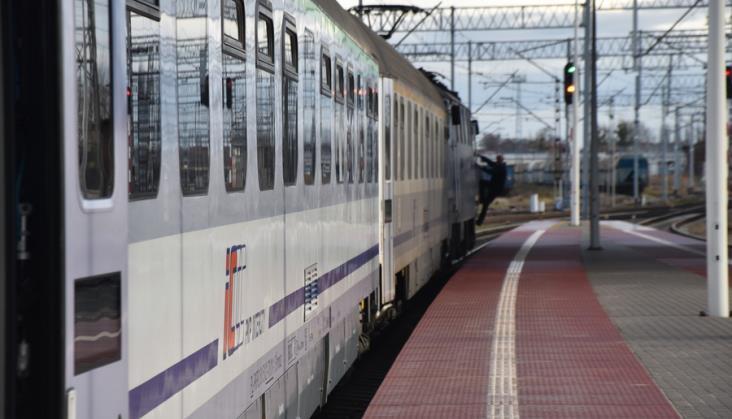Więcej pociągów na listopadowe święta i wydłużona ważność Biletu Weekendowego