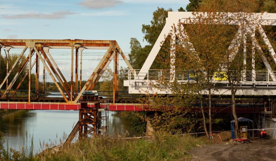Nowy most kolejowy nad Kanałem Kędzierzyńskim [zdjęcia] [film]