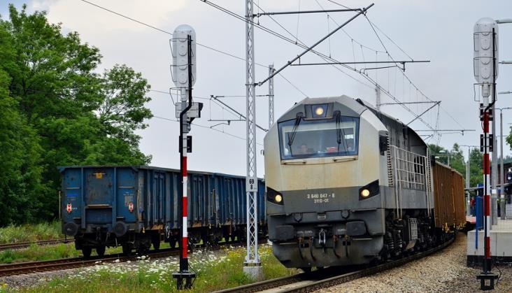 Czas i koszt przewozu to główne bariery rynku kolejowych przewozów towarowych