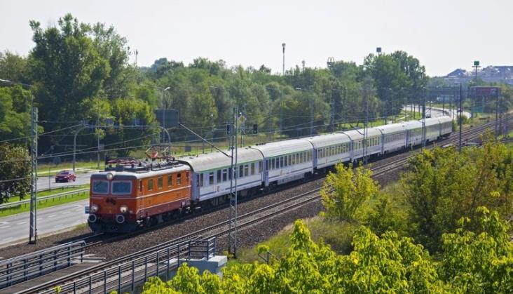 PKP IC wzmocniło pociągi na 11 listopada 211 wagonami