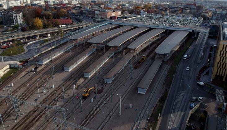 Źle zestawiony skład IC zablokował stację w Krakowie