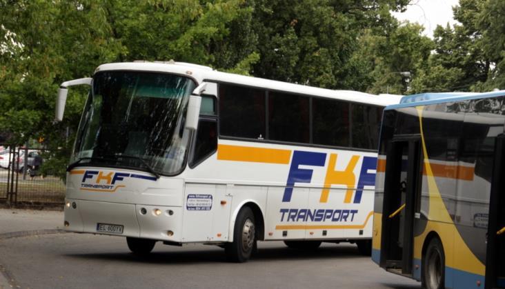 Na trasie Łódź – Kutno Polregio nadal wozi pasażerów komunikacją zastępczą