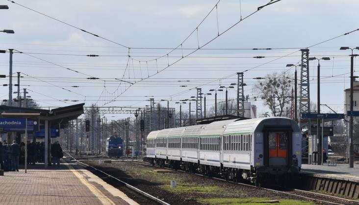Tylko część biletów PKP Intercity na nowy rozkład jazdy jest dostępna