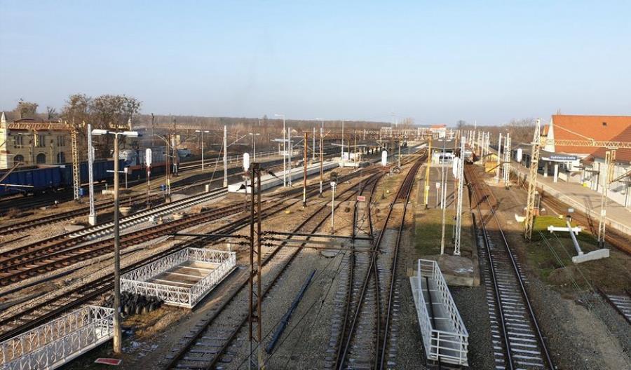 Przebudowa linii Opole – Kędzierzyn-Koźle blisko półmetka