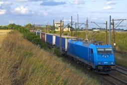 Przewozy intermodalne przekroczyły w III kw. 5 mln ton