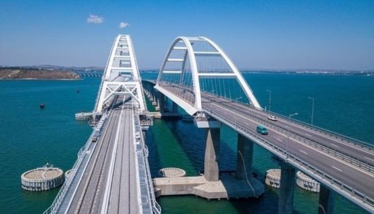 Krym: Otwarcie mostu kolejowego na okupowany półwysep [film]