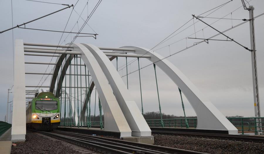 Po drugim nowym moście nad Bugiem na Rail Baltice jeżdżą pociągi