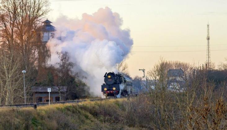 Planowe pociągi parowe wróciły na wielkopolskie tory. Parowozownia planuje inwestycje