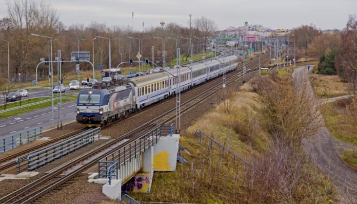 Na których stacjach pociągi spóźniają się najczęściej? Punktualność za 2019 rok