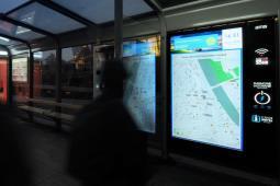 Kraków: Innowacja na przystankach. Mapy z pojazdami online