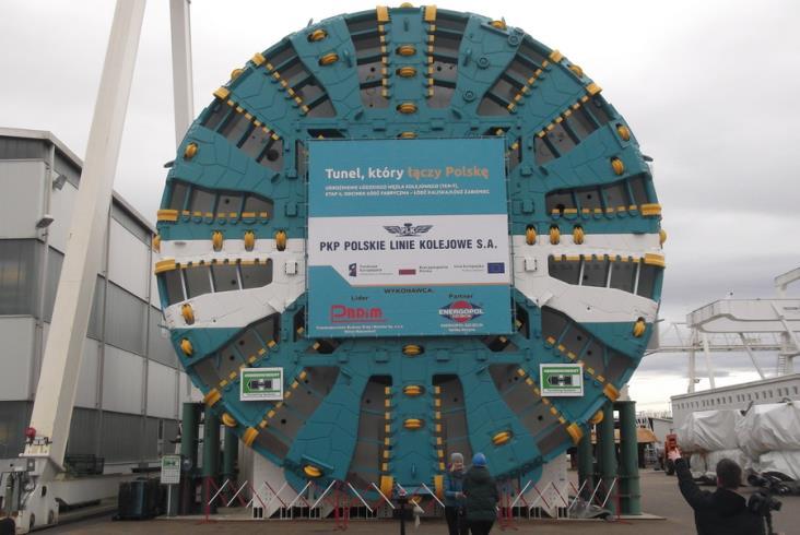 Łódzki tunel średnicowy: PBDiM odbiera większą tarczę [zdjęcia]