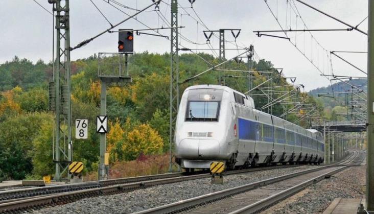 Francja: Skład TGV wykorzystany do ewakuacji chorych