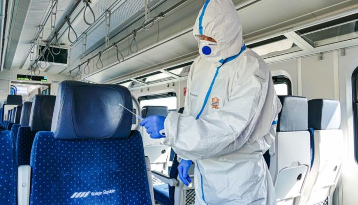 Koleje Śląskie rozszerzają tytanową batalię z koronawirusem