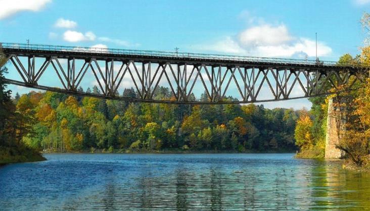 Most w Pilchowicach już pod ochroną. Superprodukcja wciąż może powstać na linii lwóweckiej?