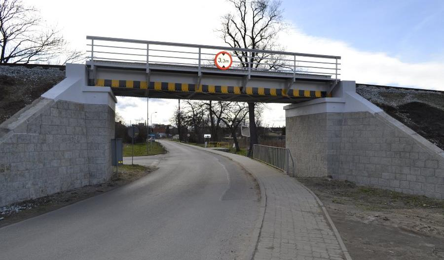 Trwają prace na linii z Wrocławia do Sobótki i Świdnicy [zdjęcia]