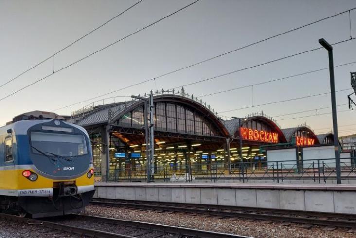 SKM Trójmiasto i Koleje Dolnośląskie wymieniły się pociągami [zdjęcia]