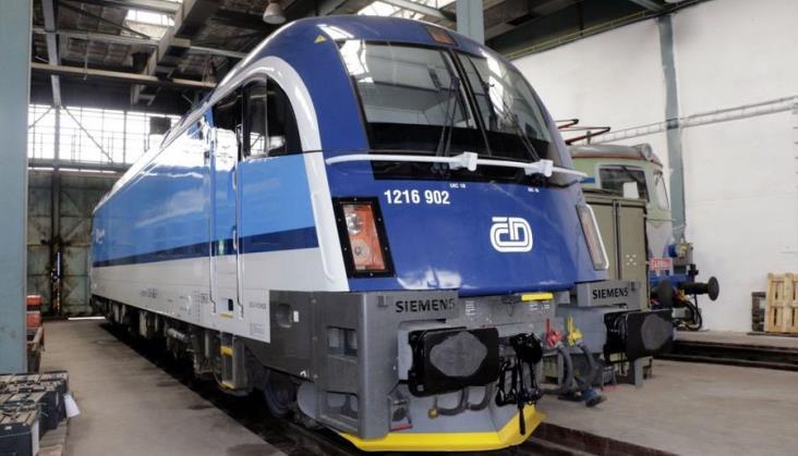 Koleje Czeskie wprowadziły do ruchu lokomotywy wielosystemowe Taurus. Nie wjadą do Polski