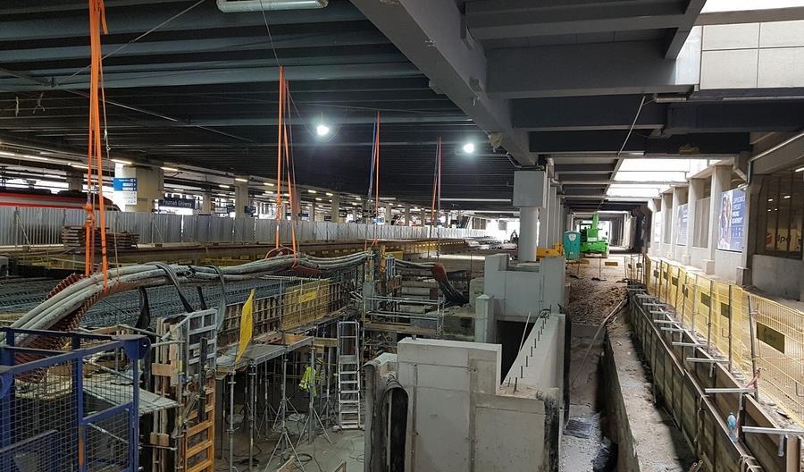Poznań Główny. Trwa budowa tunelu i nowego peronu [zdjęcia]