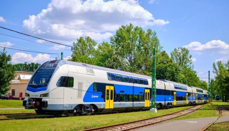 Węgry: Jeszcze więcej ezetów w MAV