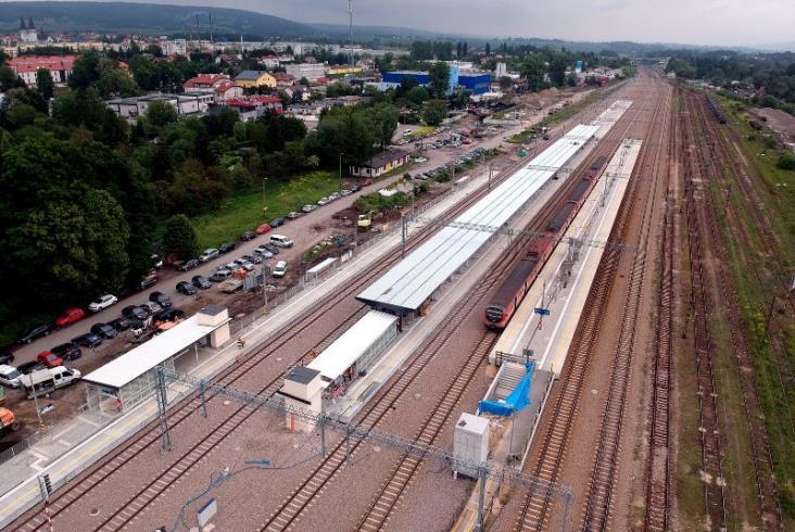 Nowe perony w Krzeszowicach otwarte