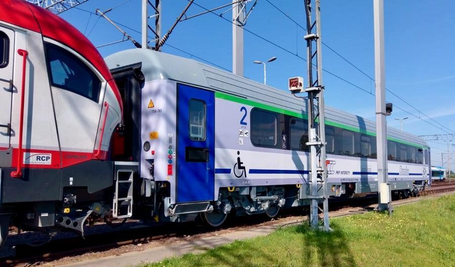 Pierwszy wagon Combo na testach w Żmigrodzie. Kiedy zabierze pasażerów? [zdjęcia]