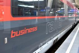Nie będzie lotów Salzburg – Wiedeń. Zamiast samolotów będą pociągi